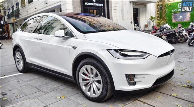 Tesla Model X P100D.