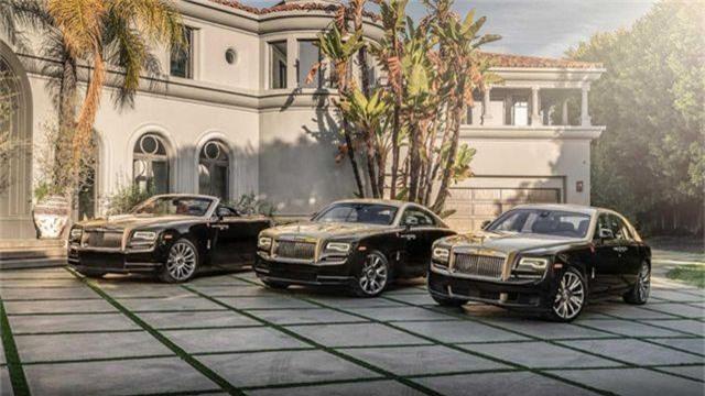 Rolls-Royce ra 4 phiên bản đặc biệt mừng Xuân Kỷ Hợi. Với hàng trăm triệu người dân châu Á đang đón Tết Nguyên đán chào đón năm con lợn, Rolls-Royce không qua cơ hội lấy lòng các khách VIP ở khu vực thị trường quan trọng này bằng việc tung ra phiên bản đặc biệt
