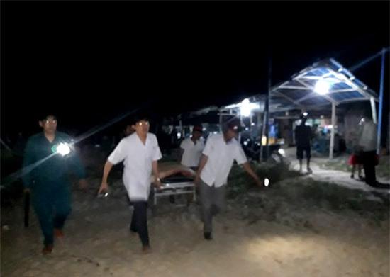 Lực lượng cứu hộ đang nỗ lực tìm kiếm 3 em học sinh bị mất tích