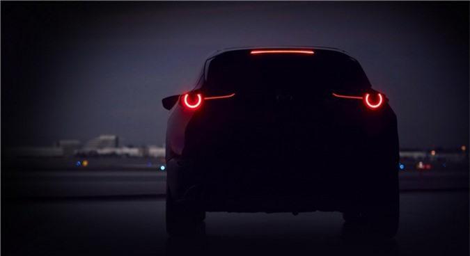 Mazda tung ảnh teaser về mẫu SUV mới sẽ trình làng tại Geneva 2019. Mazda vừa tung hình ảnh teaser đầu tiên về một mẫu SUV mới dự kiến sẽ được vén màn tại Geneva Motor Show diễn ra vào ngày 5/3 tới. (CHI TIẾT)