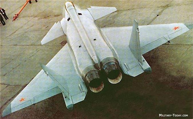 F-22 danh bai may bay the he 5 dau tien cua Nga nhu the nao?-Hinh-4