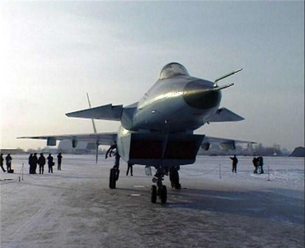 F-22 danh bai may bay the he 5 dau tien cua Nga nhu the nao?-Hinh-7