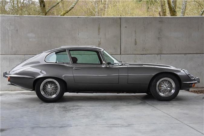 Thiết kế bên hông xe Jaguar E-Type 3 2+2