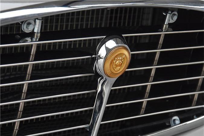 Logo xe Jaguar E-Type 3 2+2