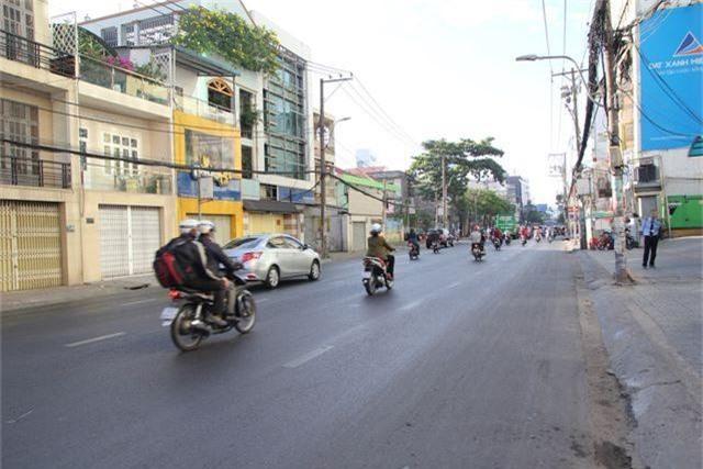 Đường phố Sài Gòn thênh thang đến lạ trong ngày làm việc đầu năm - 10