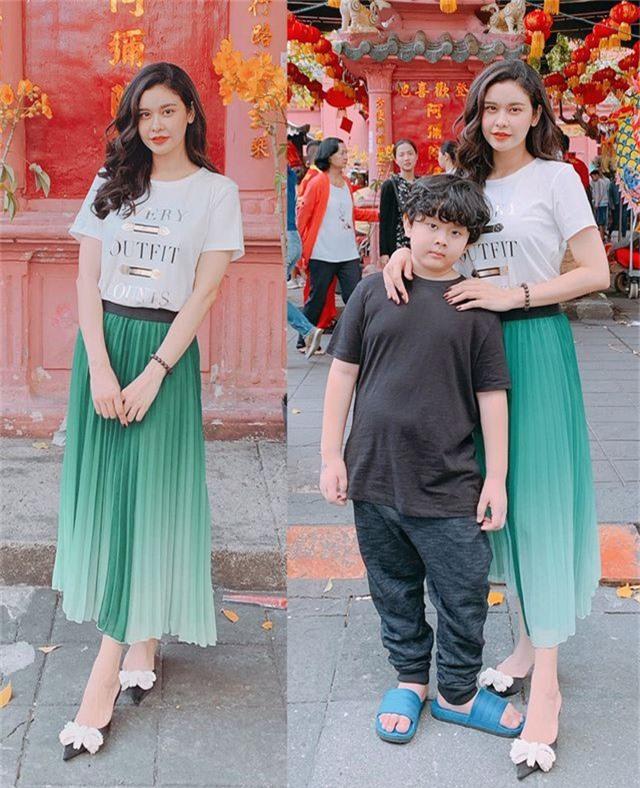 Vợ chồng Hà Tăng diện áo dài cực đẹp đôi, Mỹ Tâm giản dị với... dép tổ ong - 9