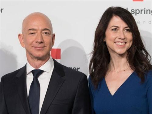 Tỷ phú Jeff Bezos làm từ thiện nhiều nhất nước Mỹ