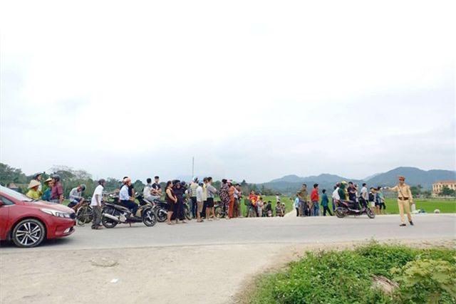 Hà Tĩnh: Đang vây bắt nhóm đối tượng nghi buôn hàng cấm ôm hàng nóng cố thủ
