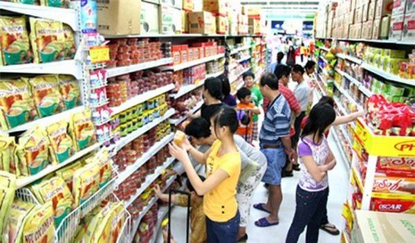 Người tiêu dùng ưa đến siêu thị và cửa hàng tiện lợi