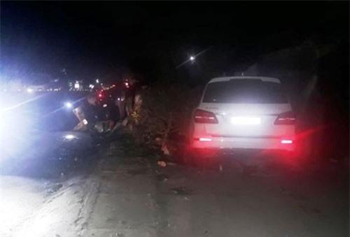 Nghệ An: Ô tô gây tai nạn liên hoàn, húc bay 3 người phụ nữ bán rau