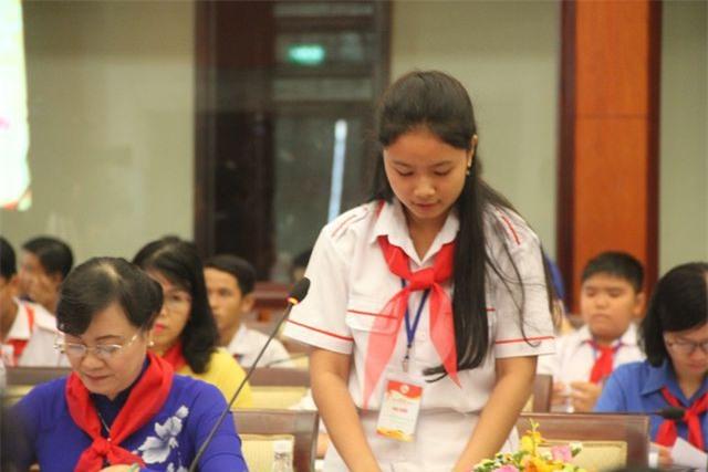 """Học sinh TPHCM """"xin"""" giảm áp lực cho thầy cô"""