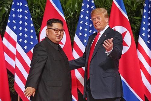 Sát thềm thượng đỉnh Mỹ - Triều: Trợ lý thân cận của ông Kim Jong-un tới Trung Quốc