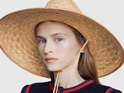 Hết dép rọ 'thần thánh', Gucci lại bán mũ rơm giá hơn chục triệu đồng