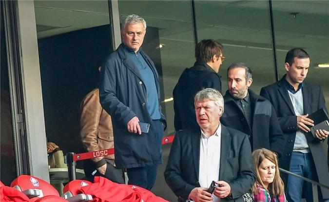 Sang Pháp, Mourinho hé lộ chi tiết bất ngờ về M.U