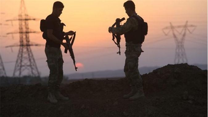 """Rút tới sa mạc Syria, IS trở thành """"quân đội bóng đêm"""""""