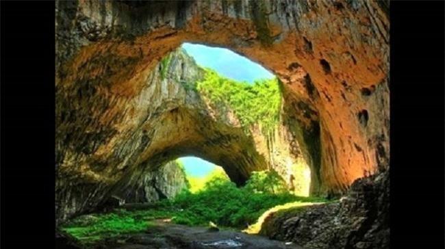 Hang Sơn Đoòng - một trong 5 địa điểm du lịch tuyệt vời nhất thế giới
