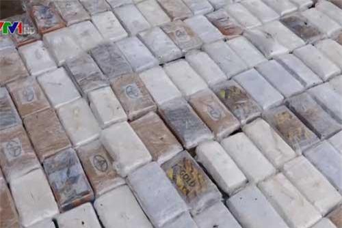 Mexico bắt giữ tàu chở 630kg cocaine