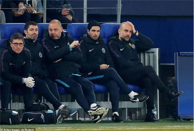 Pep Guardiola nói sốc sau trận thắng Schalke 04