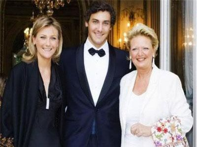 Cháu nội đời thứ 7 của Napoleon: Đẹp trai, độc thân, thành tích học tập khủng