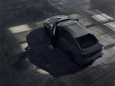 Peugeot 508 tung bản thể thao vượt trội Toyota Camry