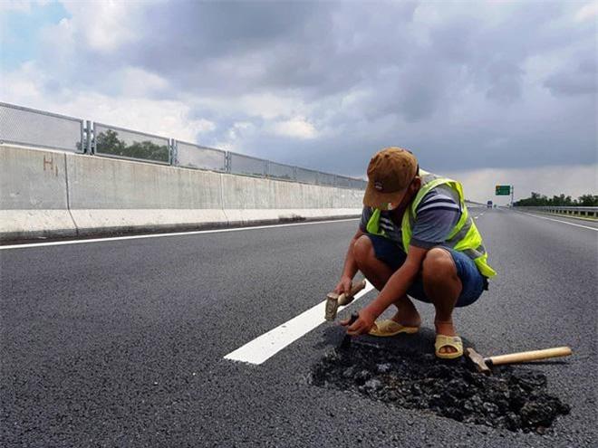 Chất lượng đường cao tốc kém do ít kinh phí hay tiêu cực- thưa Bộ trưởng Nguyễn Văn Thể