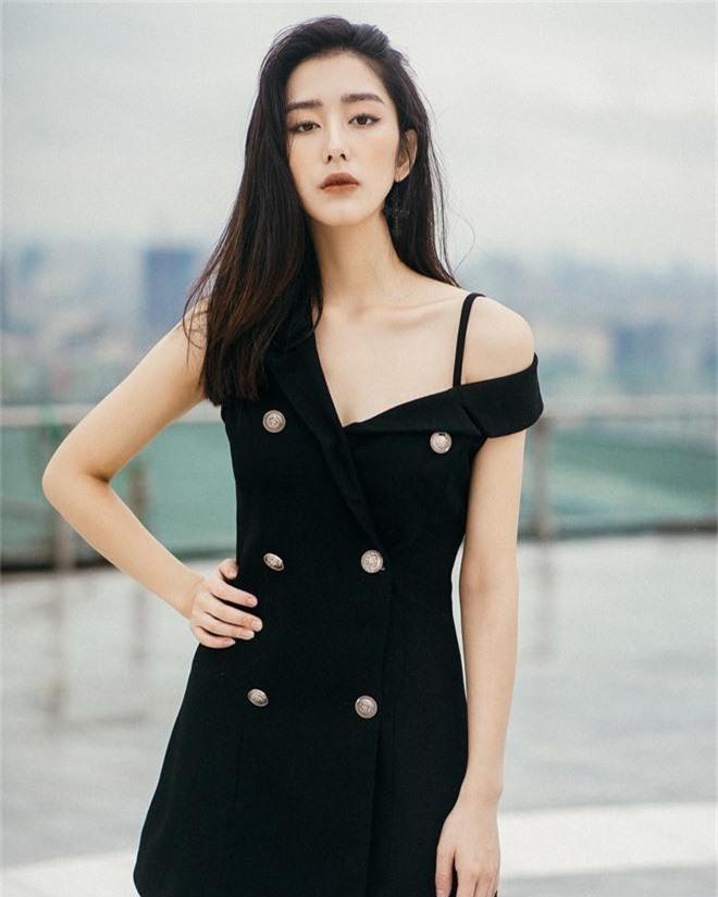 Ngọc Ánh là một mẫu ảnh khá đắt show ở Hà Nội