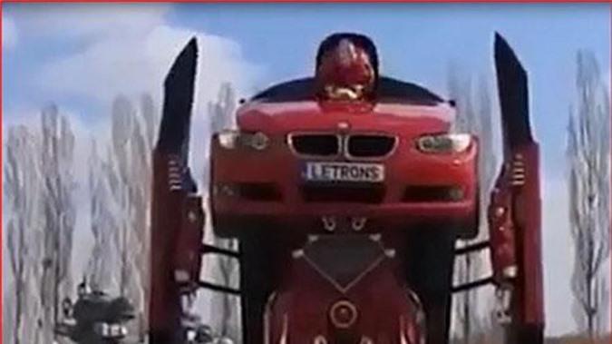 Độc đáo những chiếc xe có khả năng... biến thành người máy. Xe ô tô có khả năng biết hóa thành người máy đã trở nên rất nổi tiếng trong những bộ phim hoạt hình và khoa học viễn tưởng. Cũng đã có những chiếc xe như vậy xuất hiện ngoài đời. (CHI TIẾT)