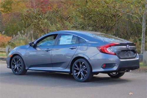 10. Honda Civic (doanh số: 44.532 chiếc).