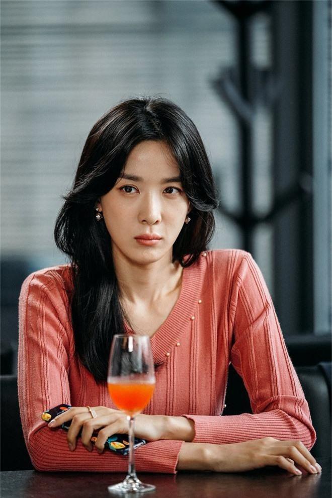 Nín thở trước danh tính 2 sao nữ tiếp theo bị nghi liên quan đến chatroom tình dục của Seungri và Jung Joon Young - Ảnh 5.