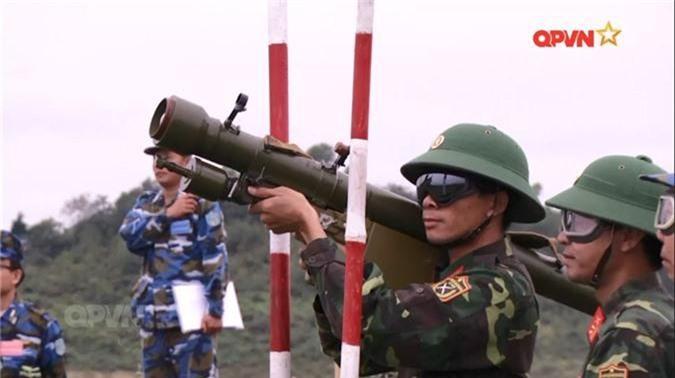 """Bao Trung Quoc noi gi ve vu khi phong khong """"Made in Viet Nam""""?-Hinh-7"""