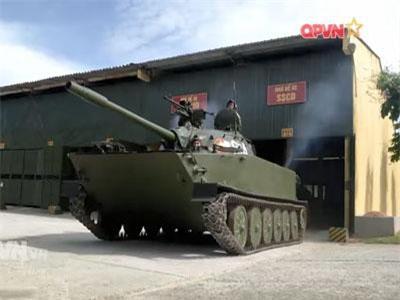 Tường tận xe tăng lội nước 'có một không hai' của Việt Nam