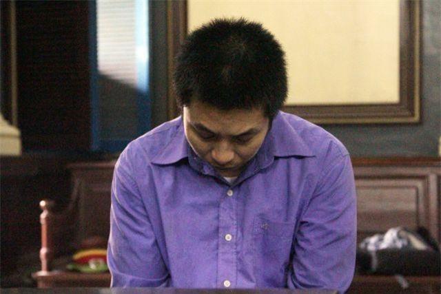 TPHCM: Chồng đâm chết vợ khi thấy tin nhắn trai lạ