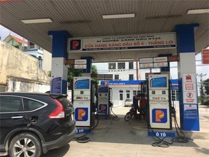 Giá xăng dầu được giữ ổn định trong nửa cuối tháng 3. Ảnh: T.U