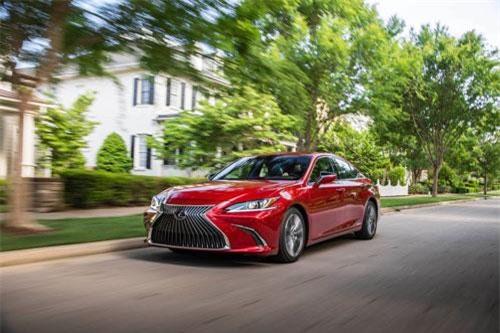 Toyota đầu tư 750 triệu USD để sản xuất RAV4 và Lexus ES tại Mỹ