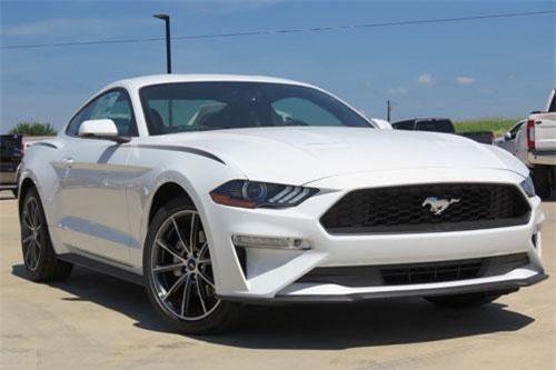 5. Ford Mustang 2019 (giá khởi điểm: 27.115 USD).