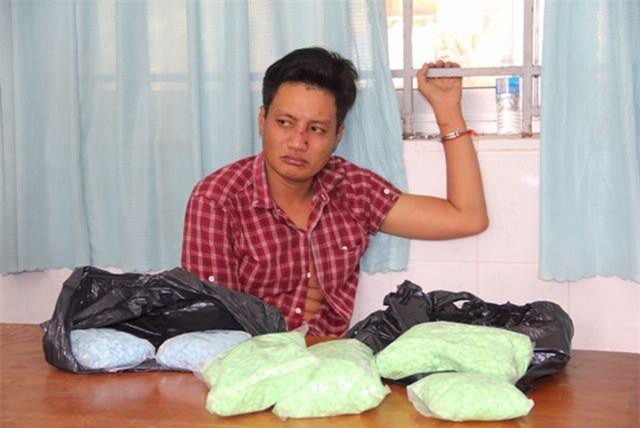 Tây Ninh: Bắt đối tượng đang vận chuyển 4,3kg ma túy từ Campuchia về Việt Nam