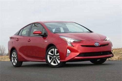 8. Toyota Prius (doanh số: 20.579 chiếc).