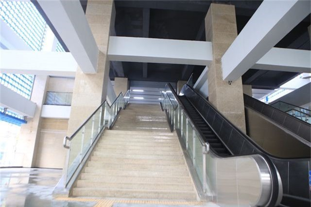 Nhà ga tàu điện Cát Linh - Hà Đông bóng loáng trước ngày vận hành - 3
