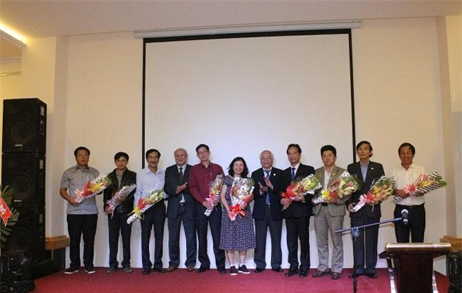 Ra mắt lãnh đạo 2 Trung tâm và 9 Chi hội thuộc Hiệp hội Doanh nghiệp tỉnh lâm Đồng (Ảnh: VH)