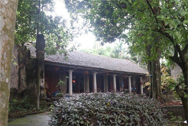 Cám cảnh ngôi chùa 300 tuổi dột nát, tượng nứt vỡ ở Hà Nội - 1