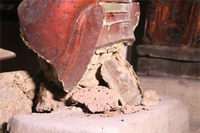 Cám cảnh ngôi chùa 300 tuổi dột nát, tượng nứt vỡ ở Hà Nội - 5