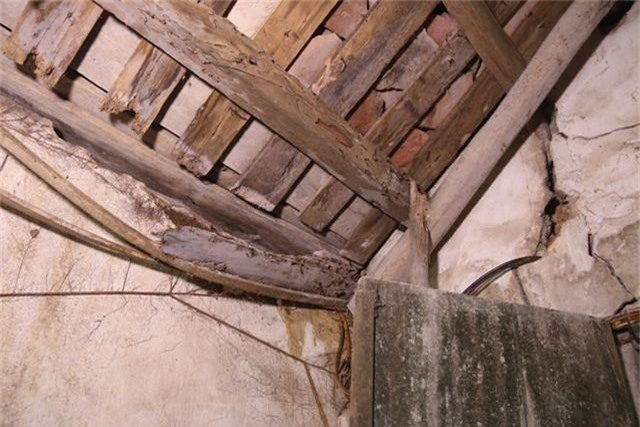 Cám cảnh ngôi chùa 300 tuổi dột nát, tượng nứt vỡ ở Hà Nội - 8