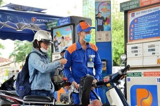 Giá xăng dầu biến động mạnh.