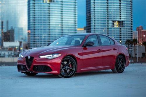 1. Alfa Romeo Giulia.
