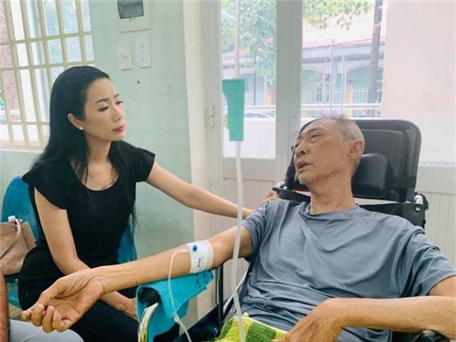 Bệnh tình chuyển biến xấu, diễn viên Lê Bình vẫn khiến mọi người rơi nước mắt trước nghĩa cử cao đẹp này - Ảnh 1.