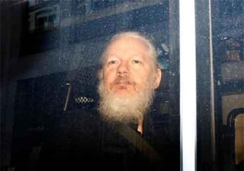"""Những """"quả bom"""" của WikiLeaks khiến chính phủ Mỹ """"đau đầu"""""""