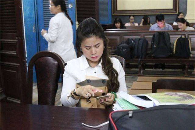 Ba Le Hoang Diep Thao to toa cuong ep ly hon