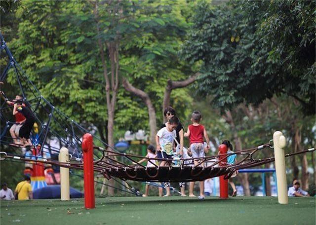 Vườn thú, công viên Hà Nội đông nghịt người trong ngày nghỉ lễ - 8