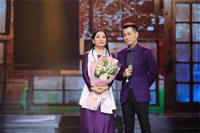 """Dàn sao Việt xúc động chia tay MC Quỳnh Hương tại """"Thay lời muốn nói"""" - 15"""