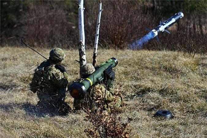 """My dung """"hang rao Javelin"""" quanh Nga: T-72, T-90 nguy to!-Hinh-10"""